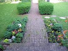 walkgarden2.JPG